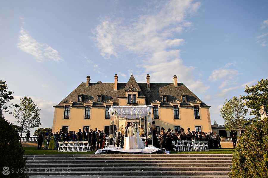 Oheka Castle wedding ceremony decor